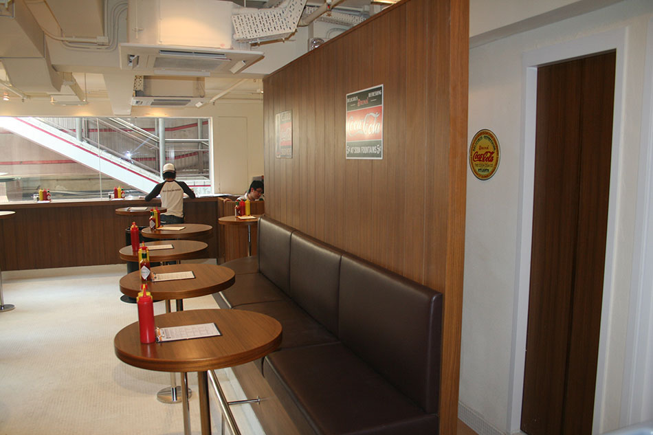 Gourmet-Burger-Union-interior-genesis-HK